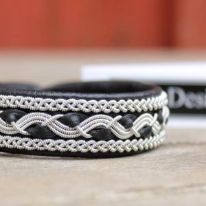 Sami bracelet RIST in black leather.
